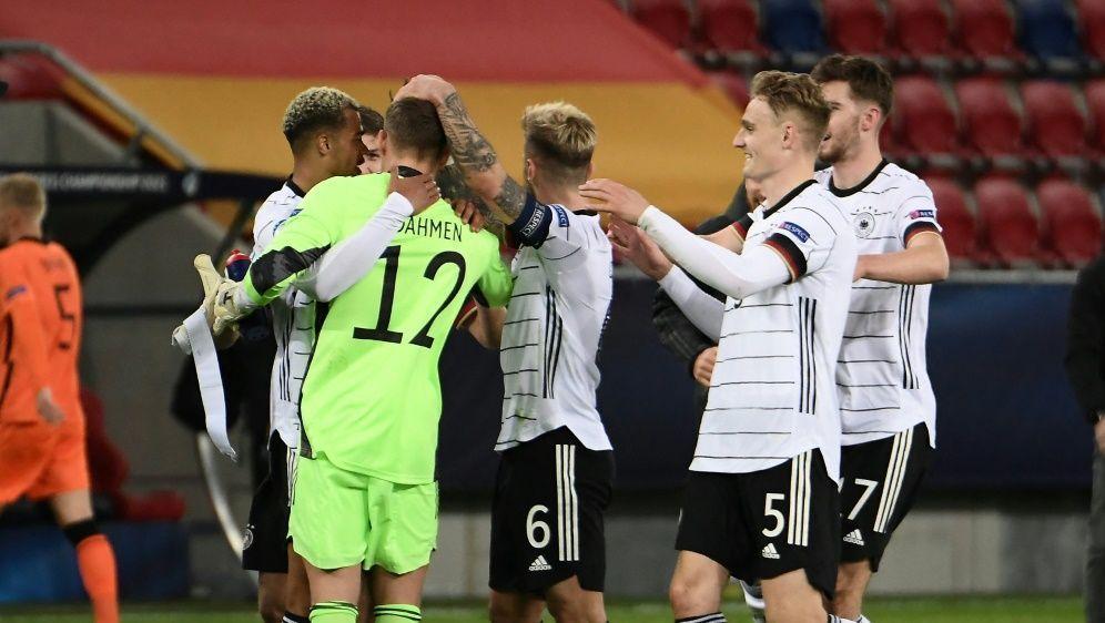 Deutsche U21 zieht ins EM-Viertelfinale ein - Bildquelle: AFPSIDATTILA KISBENEDEK