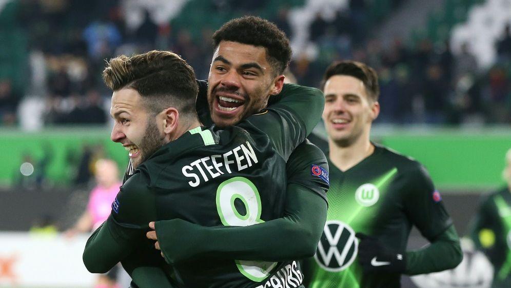 Wolfsburg schließt mit Sieg die Vorrunde ab - Bildquelle: AFPSIDRONNY HARTMANN