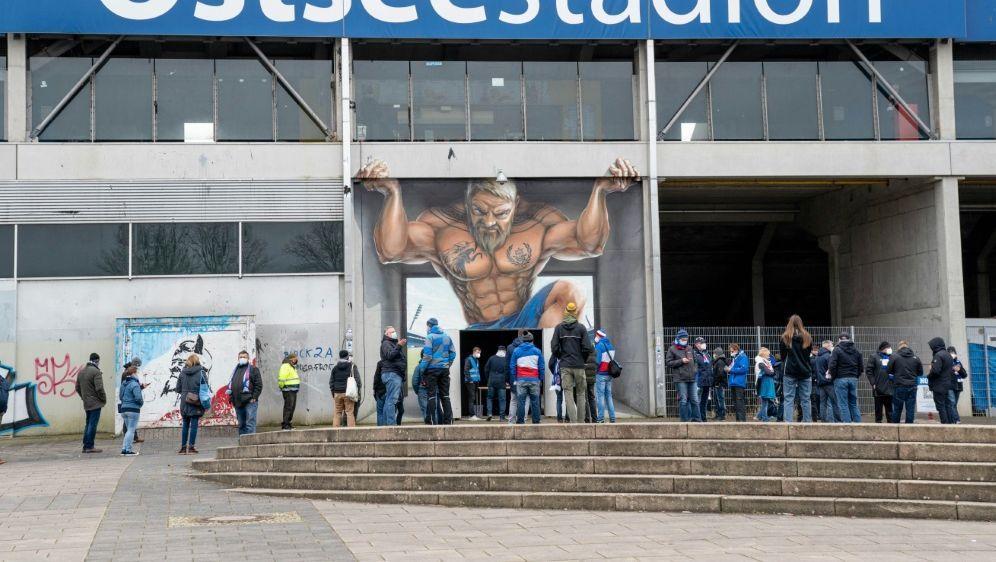 Rückschlag in letzter Minute für Hansa Rostock - Bildquelle: AFPSIDAXEL HEIMKEN