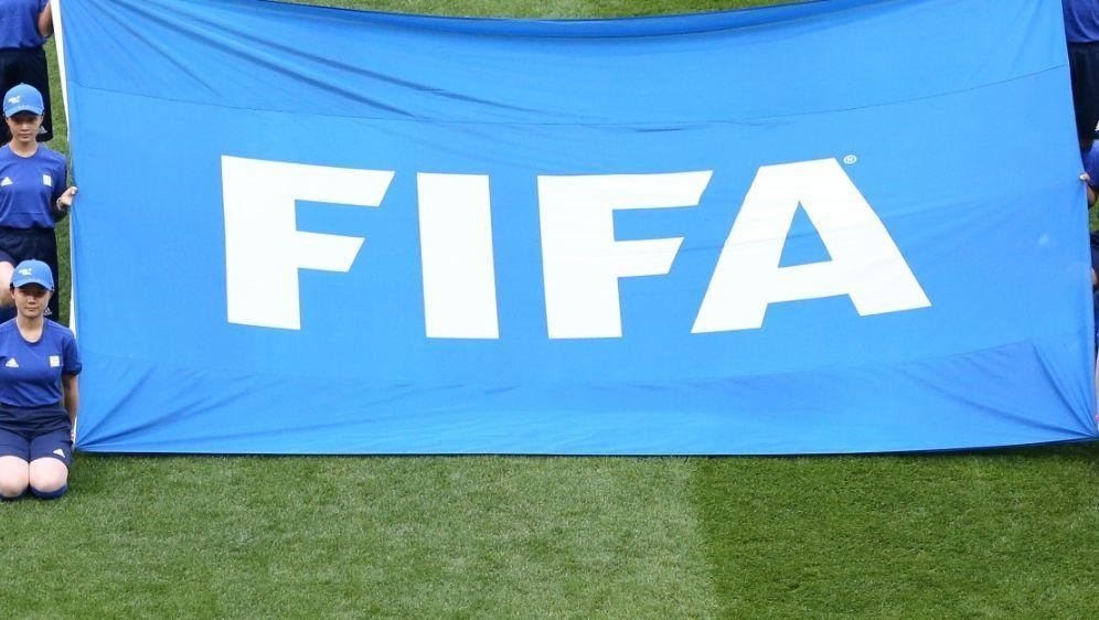 Die FIFA sperrt Kgotlele aus Botsuana lebenslang - Bildquelle: pixathlonpixathlonSID