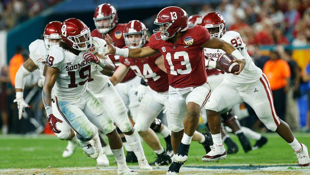 Quarterback Tua Tagovailoa steht mit Alabama im College-Finale - Bildquelle: 2018 Getty Images