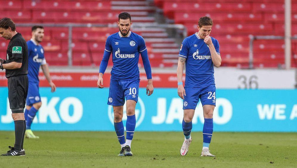 Der FC Schalke 04 taumelt dem Abstieg entgegen. - Bildquelle: imago images/RHR-Foto