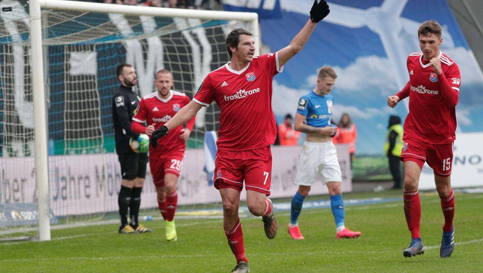 Unterhaching bleibt mit dem Remis Dritter der 3.Liga - Bildquelle: Imago