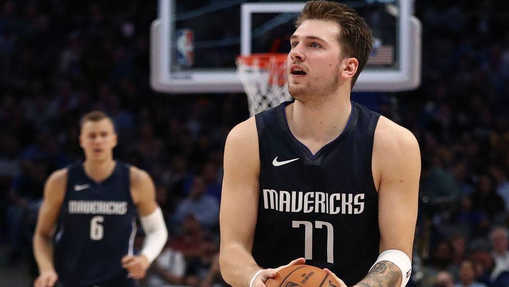 Luka Doncic bricht in seiner zweiten Saison bei den Mavericks schon Rekorde. - Bildquelle: 2019 Getty Images