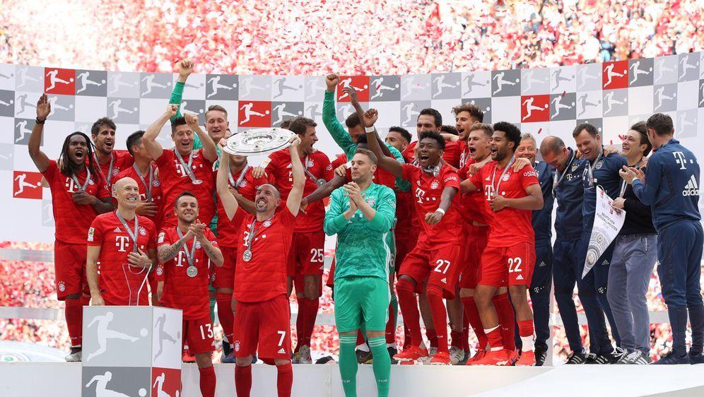 Der FC Bayern feiert die siebte Meisterschaft in Folge - Bildquelle: Getty