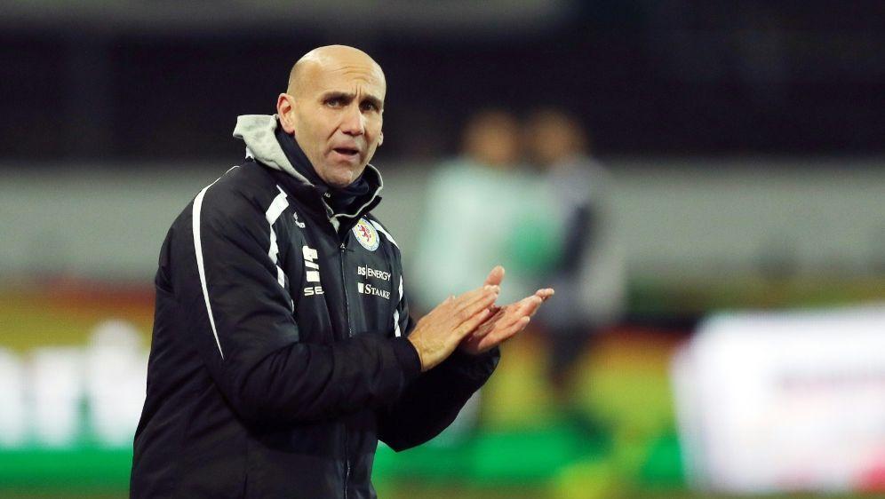 Kiel-Trainer Schubert lobt seinen neuen Klub - Bildquelle: FIROFIROSID