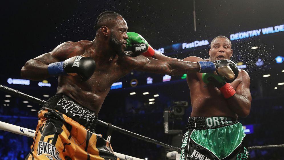Deontay Wilder (li.) und Luis Ortiz stehen sich erneut gegenüber - Bildquelle: Getty Images