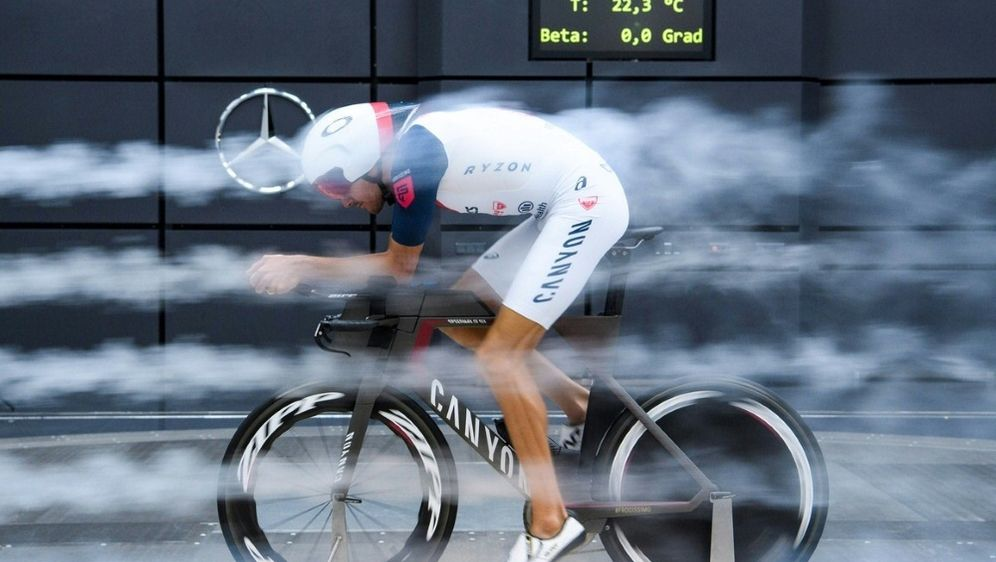 Jan Frodeno trainiert im Windkanal für die Ironman-WM - Bildquelle: GES-SPORTFOTOGES-SPORTFOTOGES-SPORTFOTOMarkus Gilliar