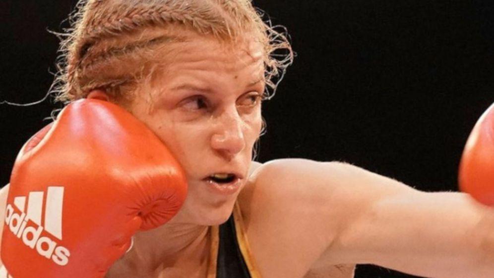 Tina Rupprecht will ihren WM-Titel verteidigen - Bildquelle: Petkos Fight Promotion