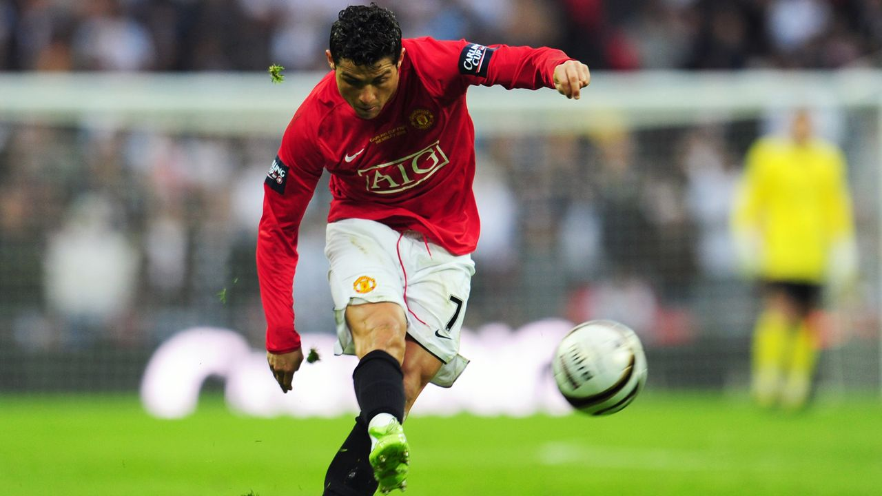 Angriff: Cristiano Ronaldo - Bildquelle: 2009 Getty Images