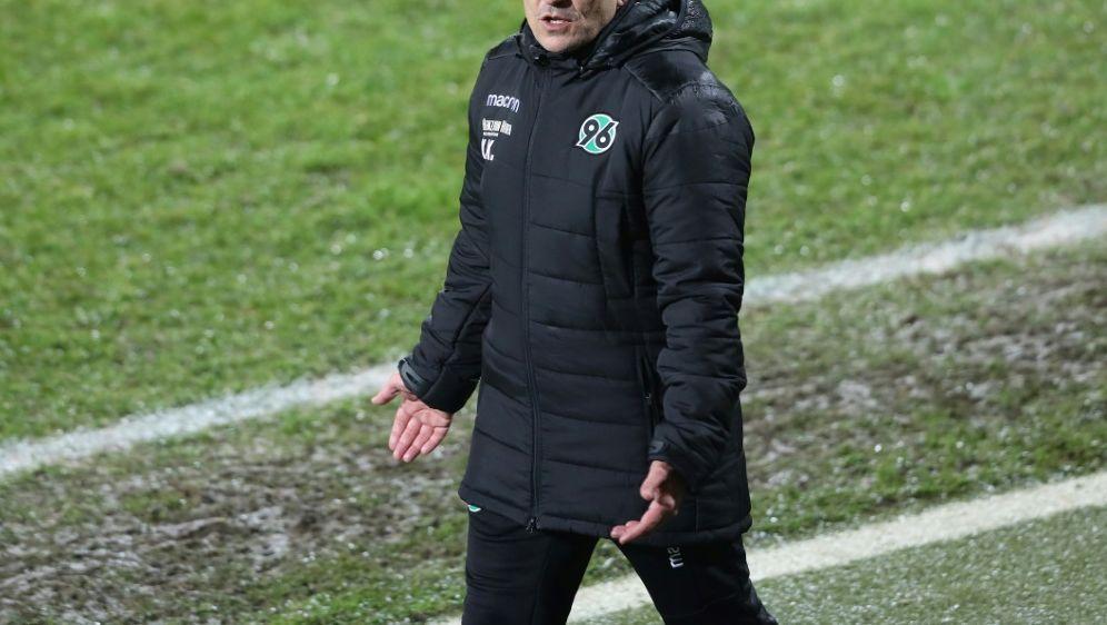 Kenan Kocak verliert mit Hannover gegen den KSC - Bildquelle: firo Sportphotofiro SportphotoSIDfiro SportphotoRalf Ibing