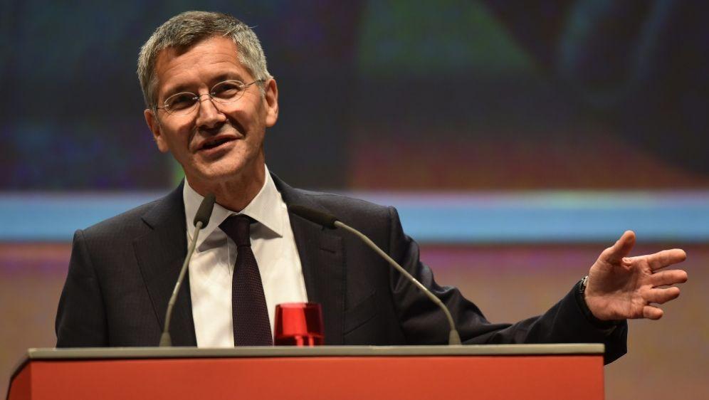 Herbert Hainer steht zur Bundesliga - Bildquelle: AFPSIDCHRISTOF STACHE
