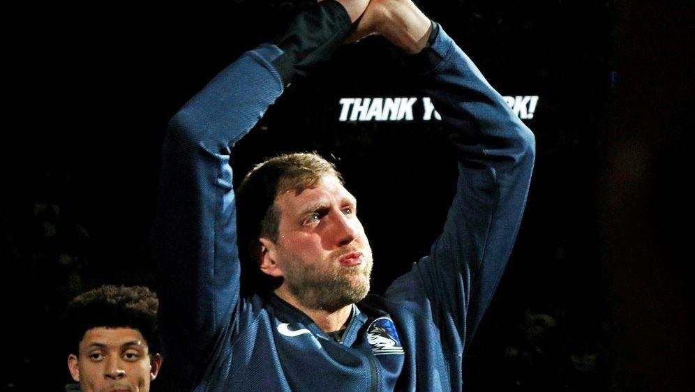 Große Ehre für Basketball-Superstar Dirk Nowitzki - Bildquelle: AFPGETTY SIDRonald Cortes