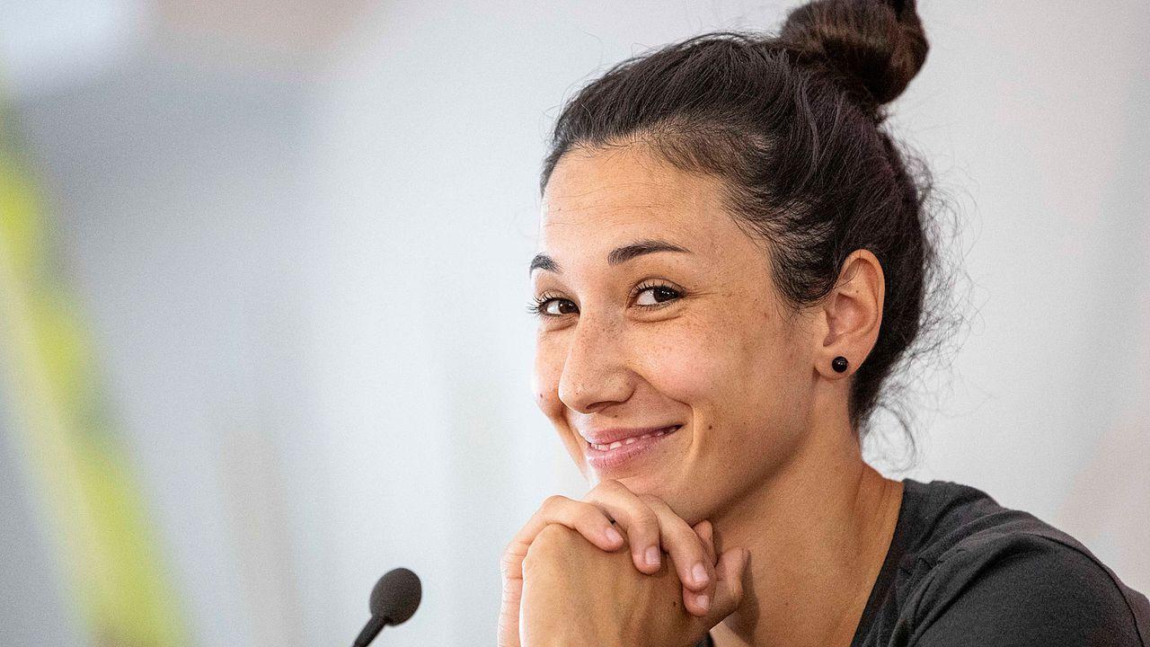 Sara Doorsoun (Abwehr) - Bildquelle: Getty Images