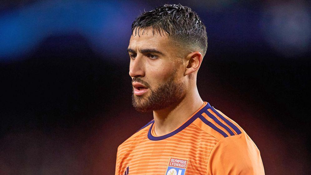 Nabil Fekir ist überraschend von Olympique Lyon zu Betis Sevilla gewechselt ... - Bildquelle: imago images / MB Media Solutions
