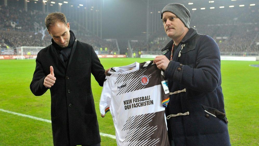 Dieses Trikot trug der FC St. Pauli vergangene Saison - Bildquelle: PIXATHLONPIXATHLONSID-
