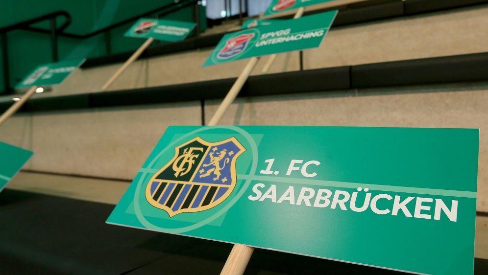 Saarbrücken gegen Verl ohne Fans im Stadion - Bildquelle: FIROFIROSID