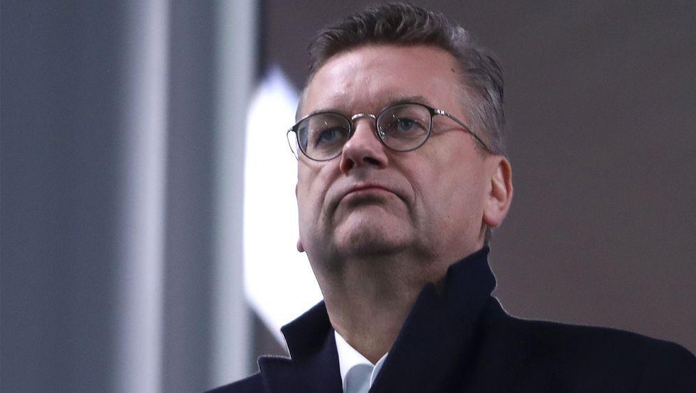 Reinhard Grindel tritt mit sofortiger Wirkung vom Amt des DFB-Präsidenten zu... - Bildquelle: Getty Images
