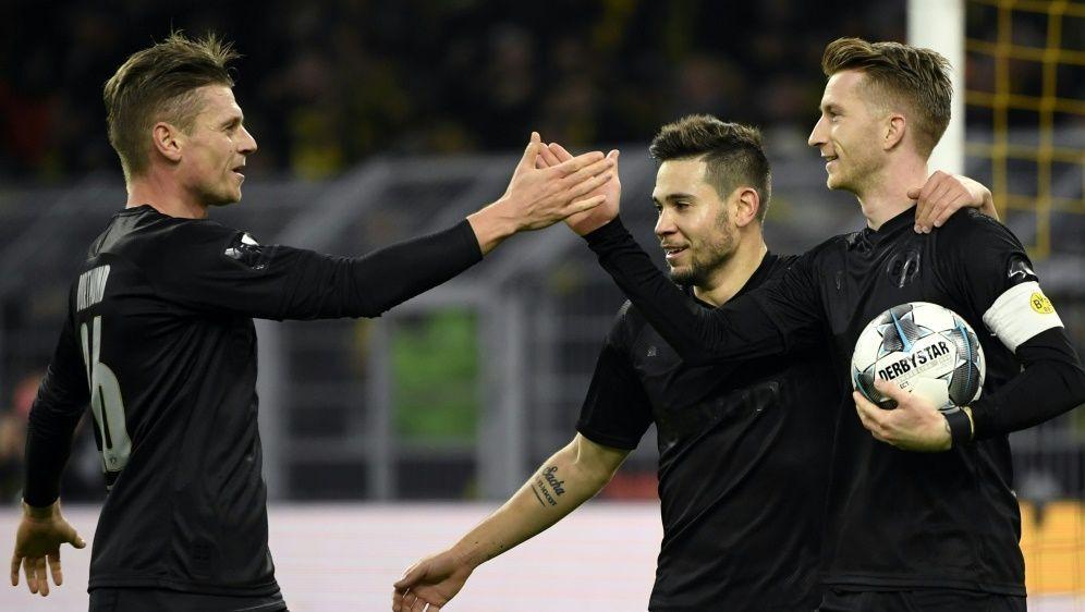 Marco Reus (r.) und Co. schlagen Fortuna Düsseldorf - Bildquelle: AFPSIDINA FASSBENDER