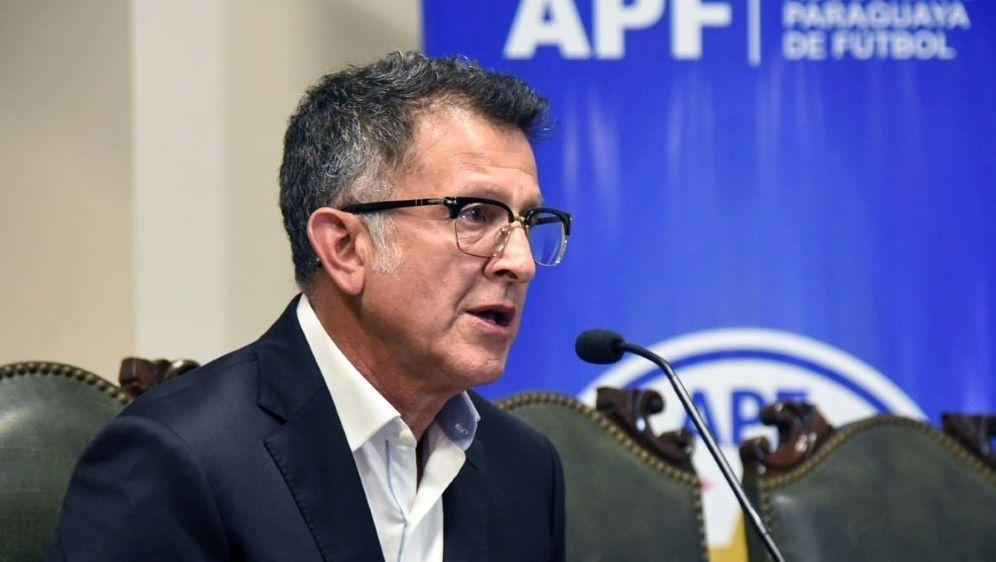 Rücktritt nach nur einem Spiel: Juan Carlos Osorio - Bildquelle: AFPAFPDANIEL DUARTE