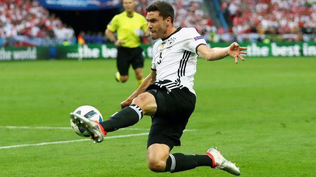 Abwehr - Jonas Hector (1. FC Köln) - Bildquelle: 2016 Getty Images