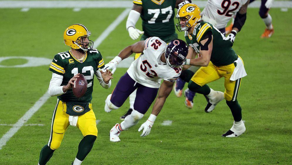 Packers-Quarterback Aaron Rodgers überragt auch gegen die Bears. - Bildquelle: Getty Images