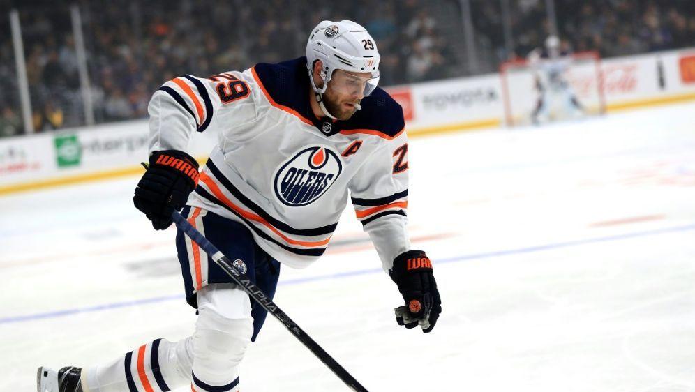Leon Draisaitl führt weiter die NHL-Scorerliste an - Bildquelle: AFPGETTY SIDSean M. Haffey