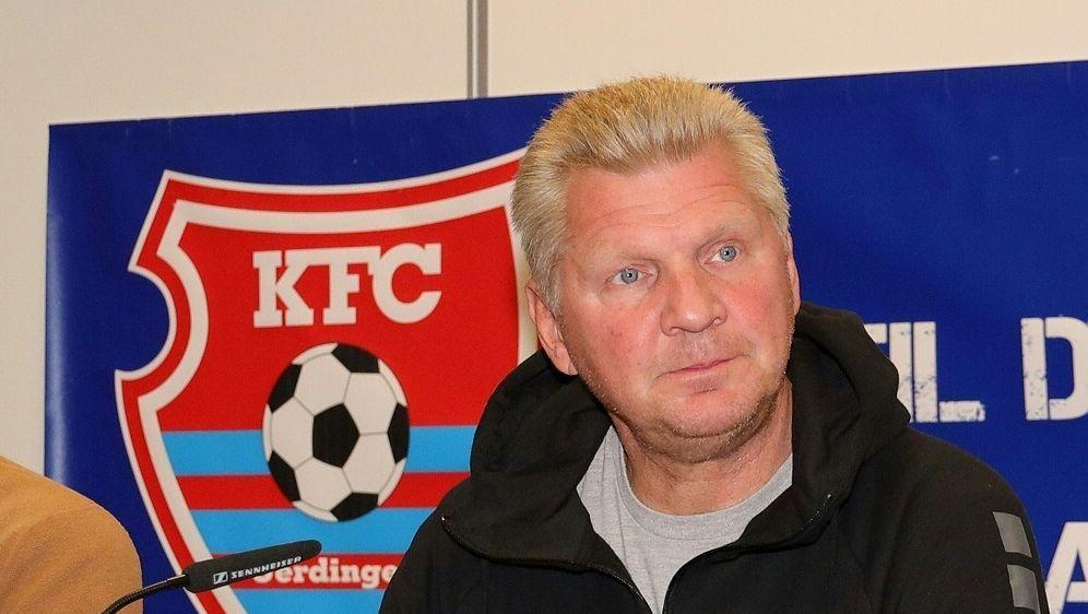Stefan Effenberg holt Steuernagel als Cheftrainer - Bildquelle: FIROFIROSID