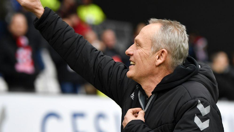 Christian Streich ist seit 2012 Freiburgs Trainer - Bildquelle: AFPSIDTHOMAS KIENZLE