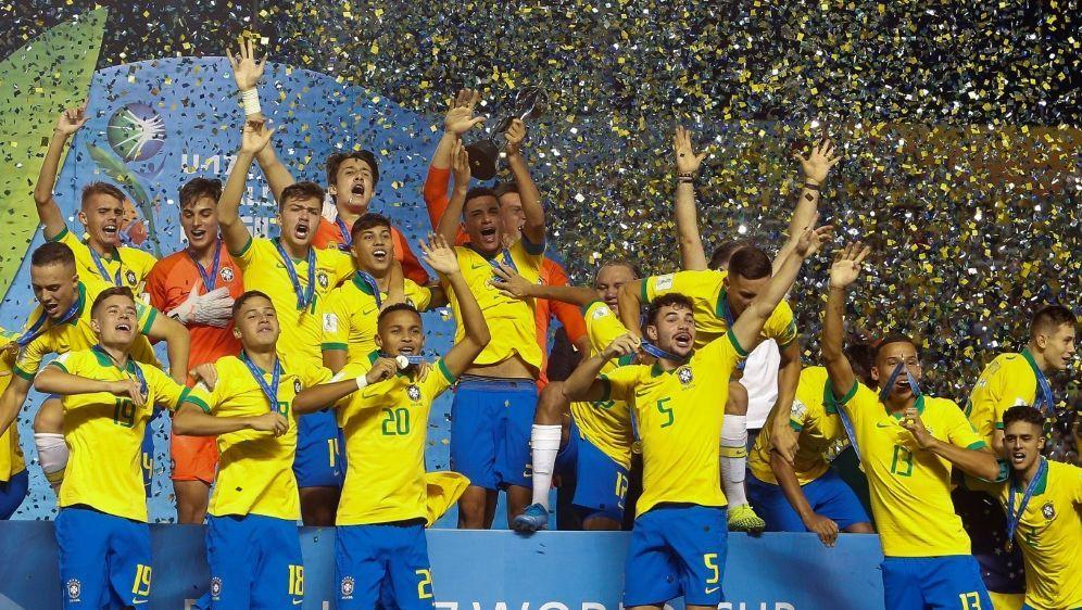 Brasiliens U17 triumphiert bei der Heim-WM - Bildquelle: AFPSIDMiguel SCHINCARIOL