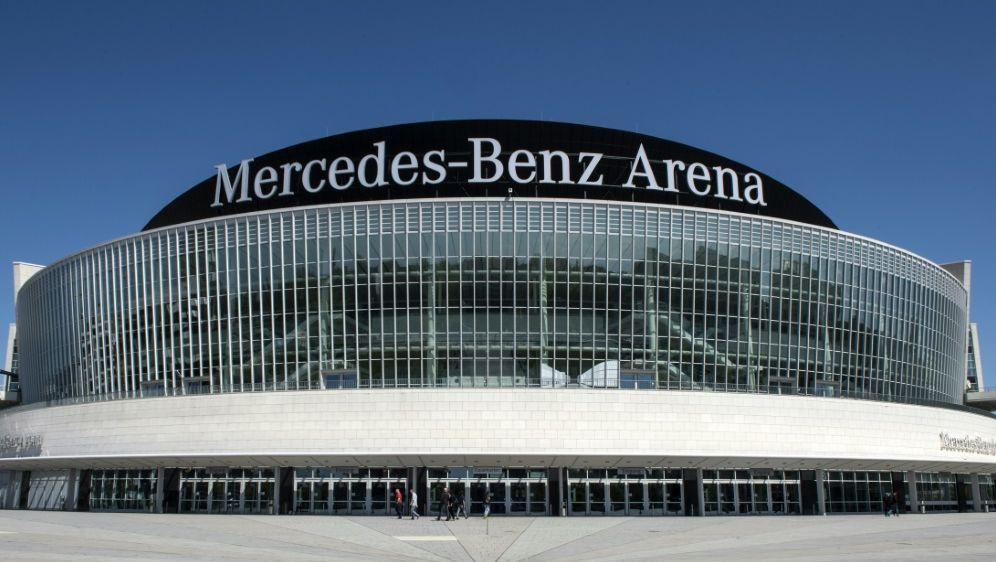 Public Viewing in der Mercedes-Benz Arena für Alba-Spiel - Bildquelle: AFPSID