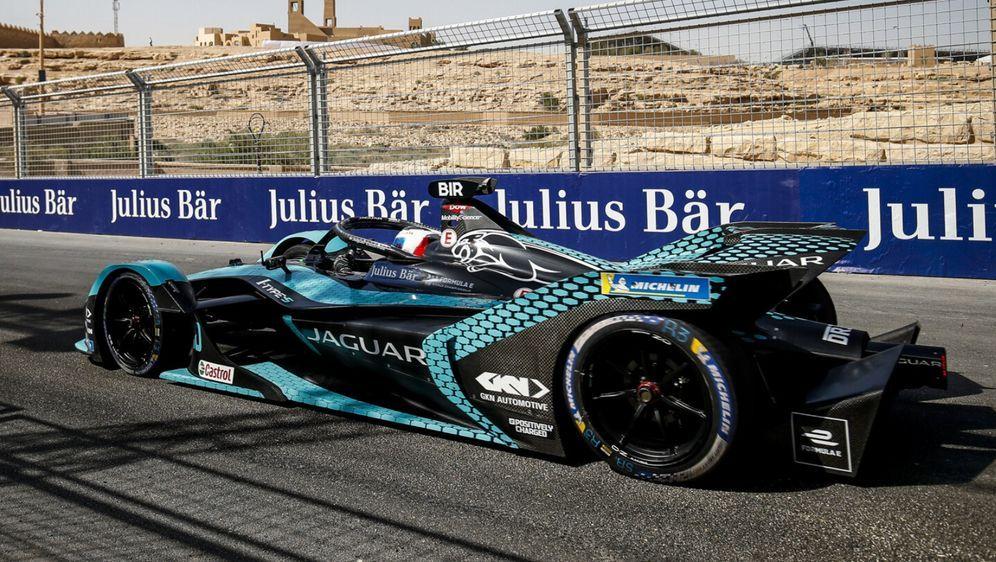 Auch Jaguar bleibt in der Gen3-Ära der Formel E an Bord. - Bildquelle: Motorsport Images