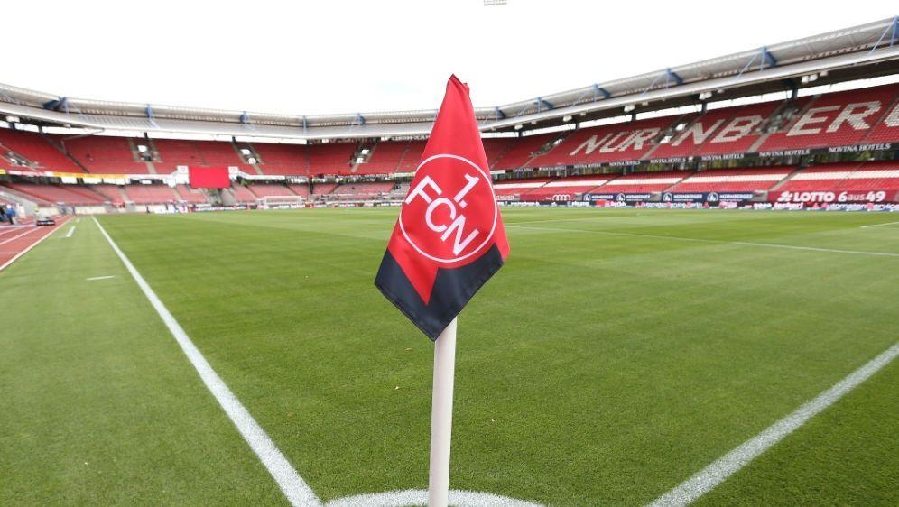 Der 1. FC Nürnberg bezwingt im Heimspiel Sandhausen 1:0 - Bildquelle: FIROFIROSID