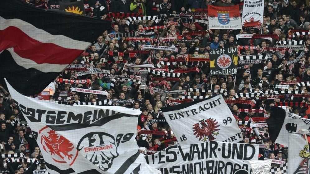 Eintracht Frankfurt-Fan erhält Schhmerzensgeld - Bildquelle: AFPSIDCHRISTOF STACHE