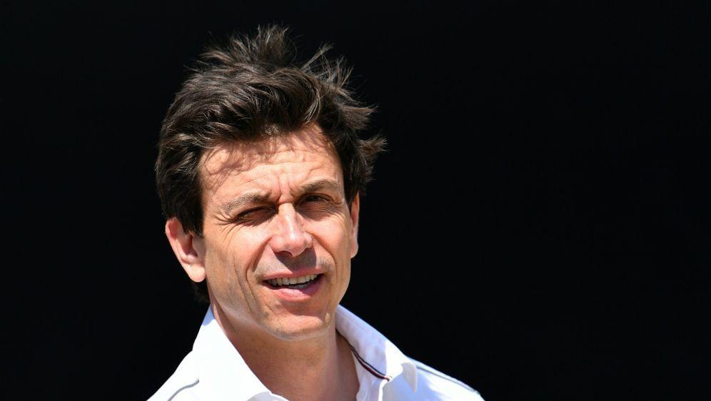 Laut Wolff fährt Mercedes auch 2021 in der Formel 1 - Bildquelle: AFPSIDANDREJ ISAKOVIC