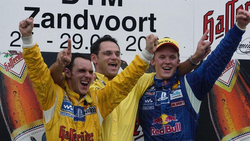 Der größte Erfolg: Der Titelgewinn in der DTM 2002 als Privatteam. - Bildquelle: imago images / Motorsport Images