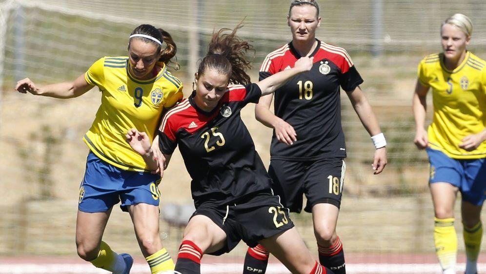 Die DFB-Frauen nehmen im März am Algarve Cup teil - Bildquelle: AFPSIDJOSE MANUEL RIBEIRO