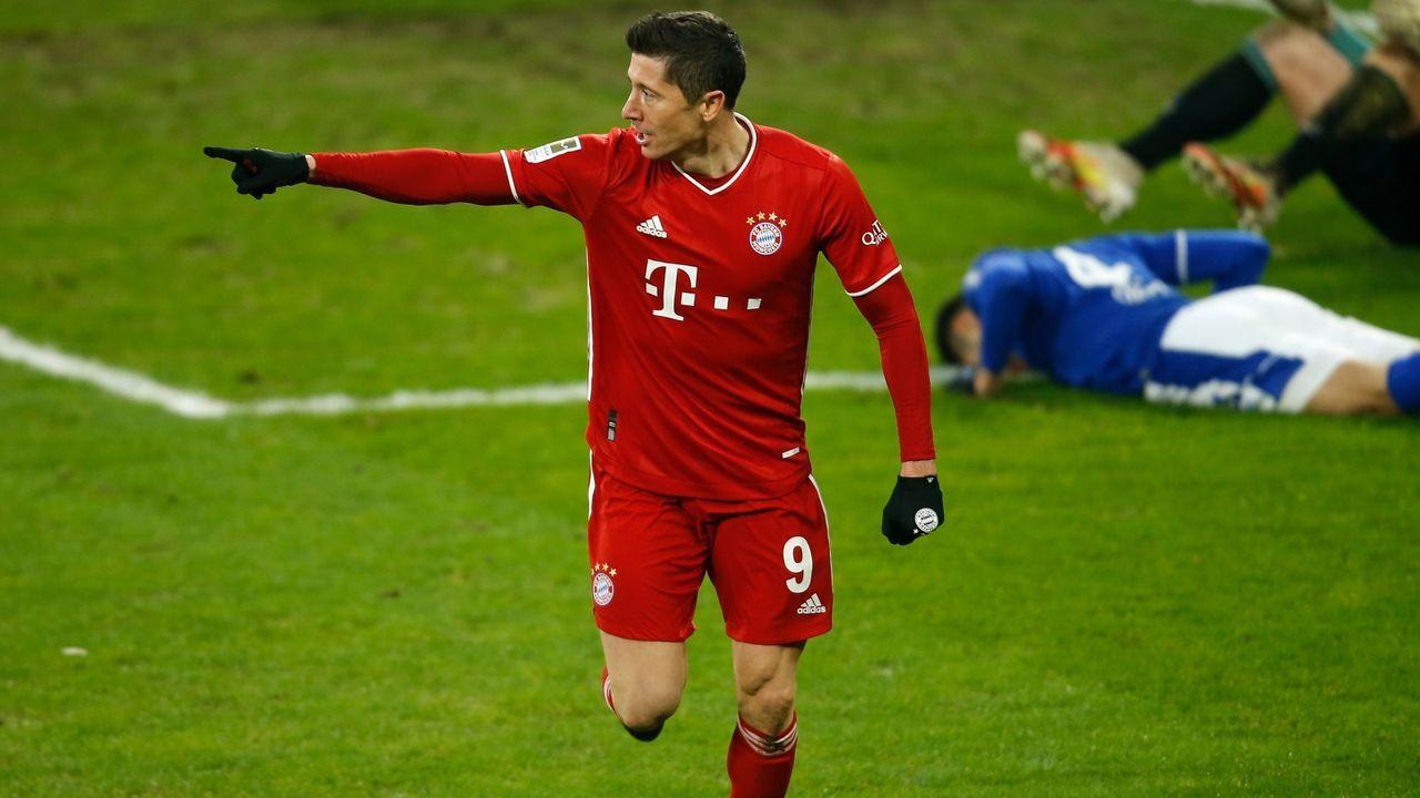 Robert Lewandowski stellt mit einem Tor gleich zwei Bundesliga-Rekorde auf - Bildquelle: Getty