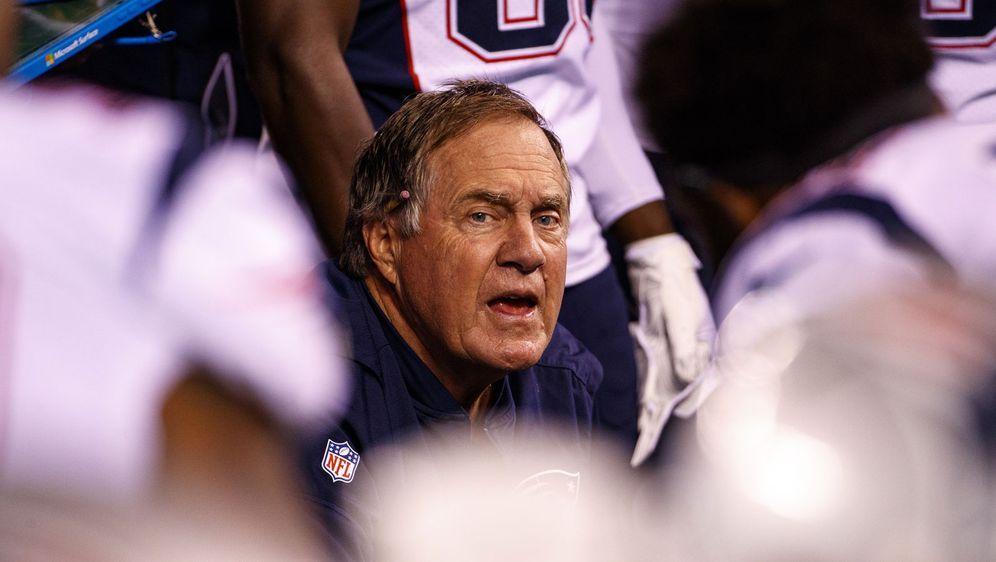 Kann noch ein bisschen an seinem Team basteln: Bill Belichick und die New En... - Bildquelle: imago