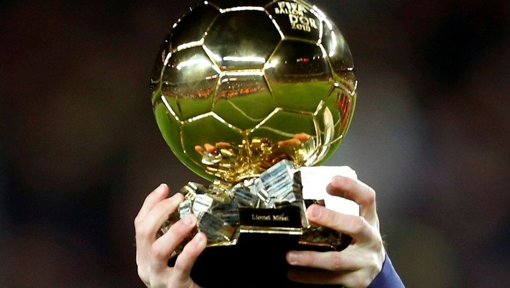 Der begehrte goldene Ball wird Anfang Dezember vergeben - Bildquelle: PIXATHLONPIXATHLONSID