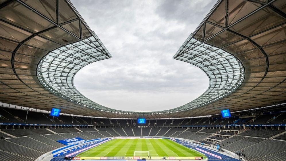 Auch die Ränge des Olympiastadions bleiben vorerst leer - Bildquelle: FIROHertha BSC PoolFIROHertha BSC PoolSID