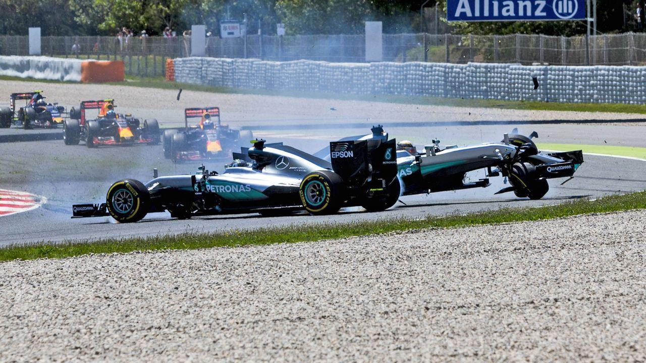 Lewis Hamilton vs. Nico Rosberg - Bildquelle: imago/LAT Photographic