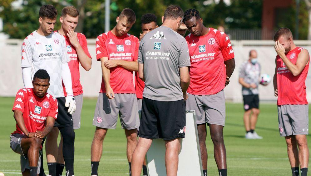 Die Mainzer empfangen am Samstag den VfB Stuttgart. - Bildquelle: imago images