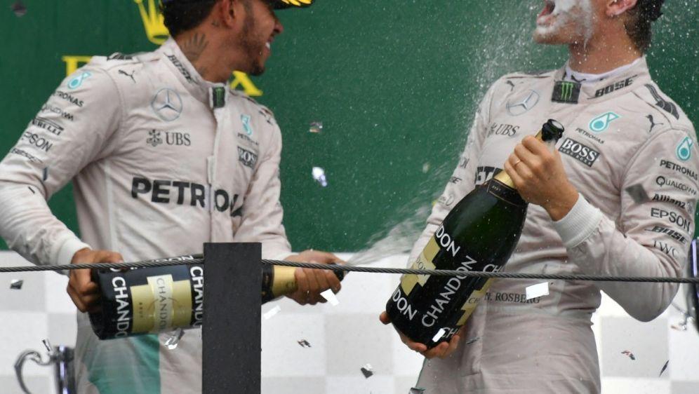 Teamchef Rosberg macht Hamilton das Leben schwer - Bildquelle: AFPSIDNELSON ALMEIDA