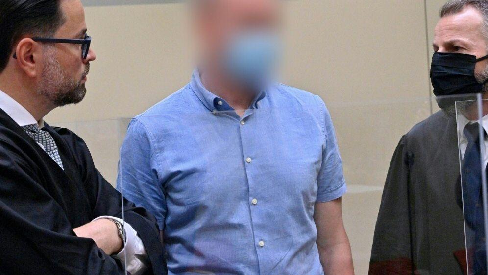 Das Urteil im Prozess um Mediziner Mark S. steht an - Bildquelle: AFPSIDPETER KNEFFEL