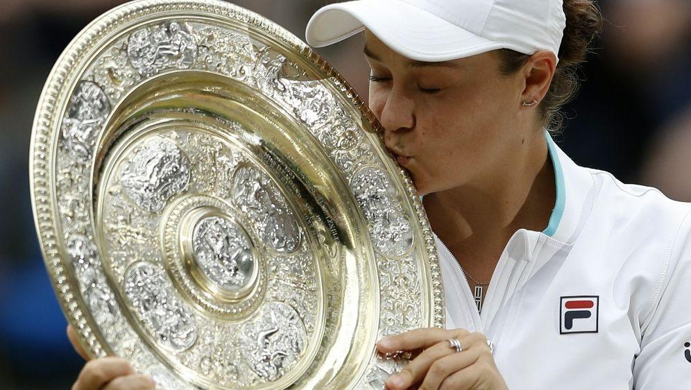 Wimbledon-Siegerin Barty für Saisonfinale qualifiziert - Bildquelle: AFPPOOLSIDPETER NICHOLLS