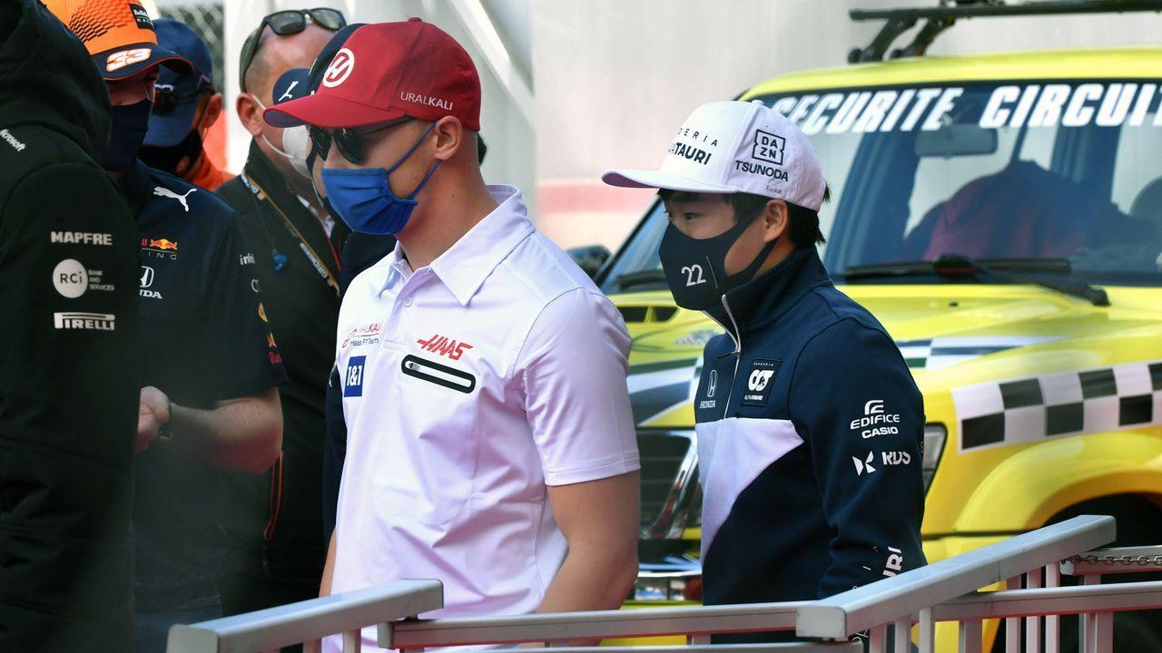 Rassismus-Post gegen Tsunoda mit Smileys kommentiert - Bildquelle: imago images/Motorsport Images