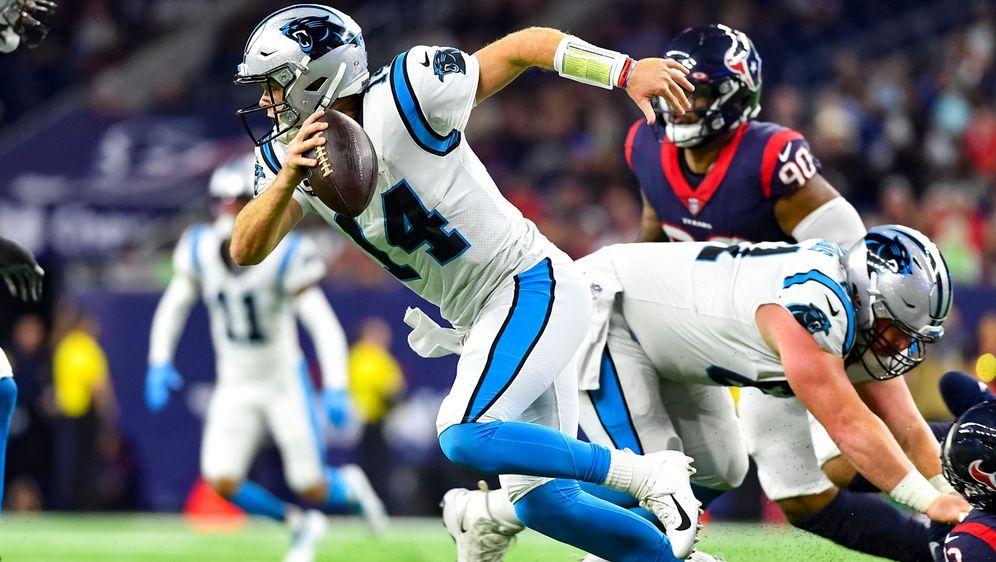 Sam Darnold von den Carolina Panthers erlief gegen die Houston Texans zwei T... - Bildquelle: imago images/ZUMA Wire