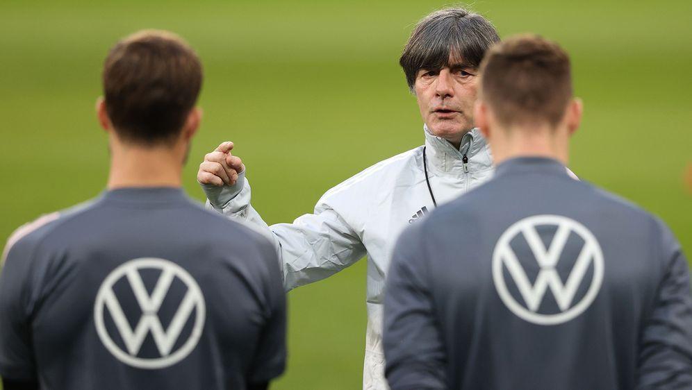 Joachim Löw ist seit 2006 Bundestrainer und hört nach der EM-Endrunde 2021 a... - Bildquelle: 2021 Getty Images
