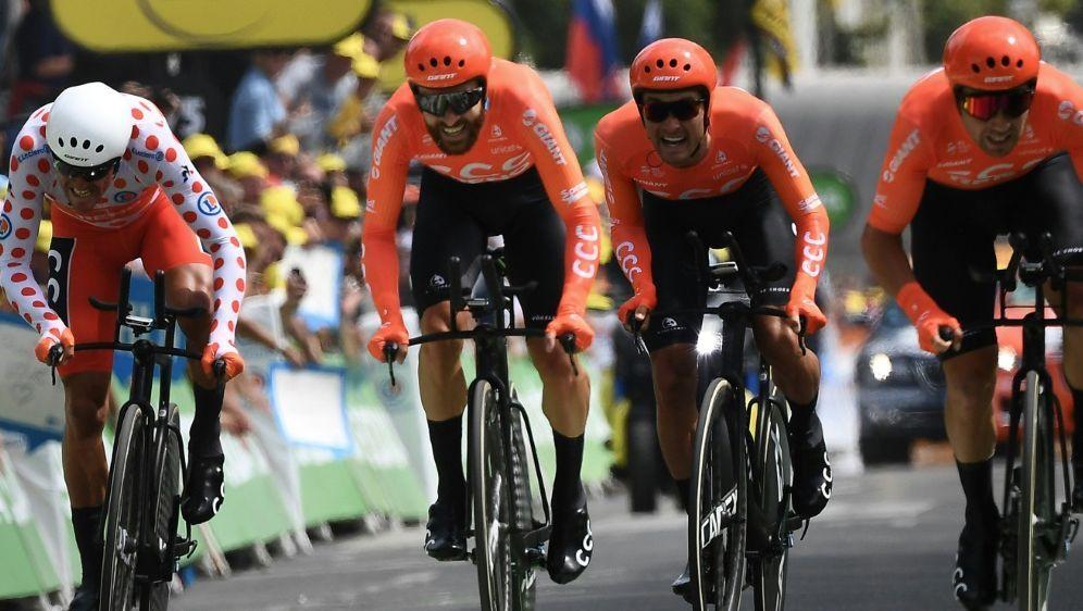 Das Profi-Radsportteam CCC bei der Tour de France 2019 - Bildquelle: AFPSIDANNE-CHRISTINE POUJOULAT